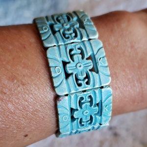 Blue elastic wooden bracelet